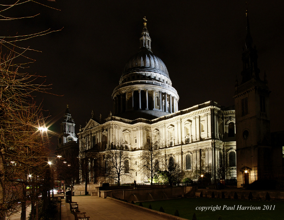St. Paul's cathedral, night